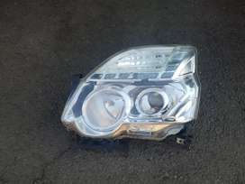 Nissan Xtrail head lights