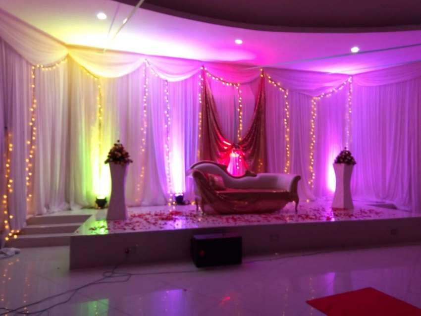 Backdrop set up and lighting services 0