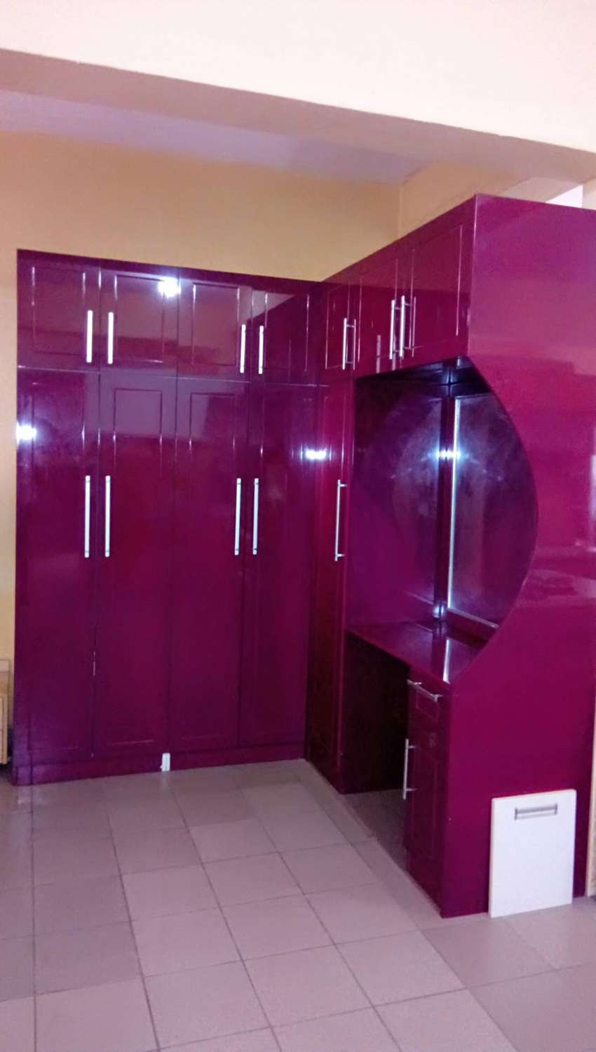 Buy your lovely Kitchen Cabinets and wardropes 0