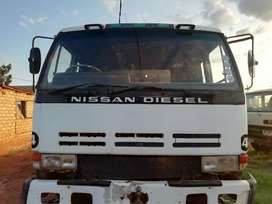 Nissan CW 350 10 cubic for sale