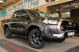 Toyota Hilux 2.4 GD-6 RB Raider AT PU DC ( 2021 )