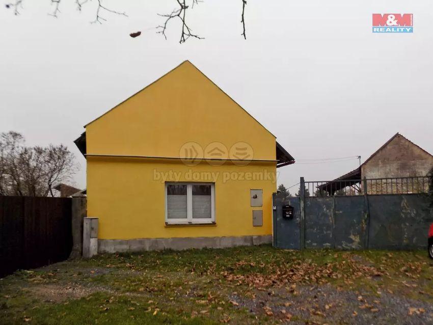 Prodej, rodinný  dům + zemědělská usedlost, 4024m2, Stratov 0