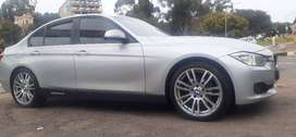 BMW 320i WITH SUN ROOF AUTOMATIC