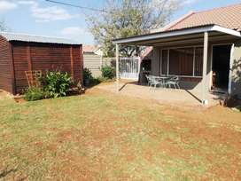Self catering grannyflat to rent per day