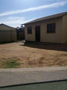 4 Room House For Sale in Nelmaphius Ext 24