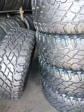 Five cooper Discoverer stmaxx tyres sizes 285/70/17 now available