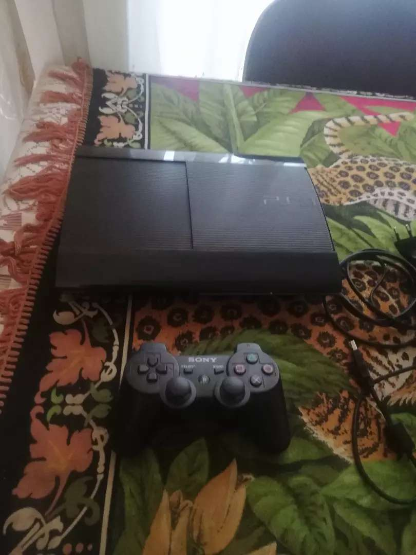 Ps2 games Playstation 3 slim console with games and controllers 0
