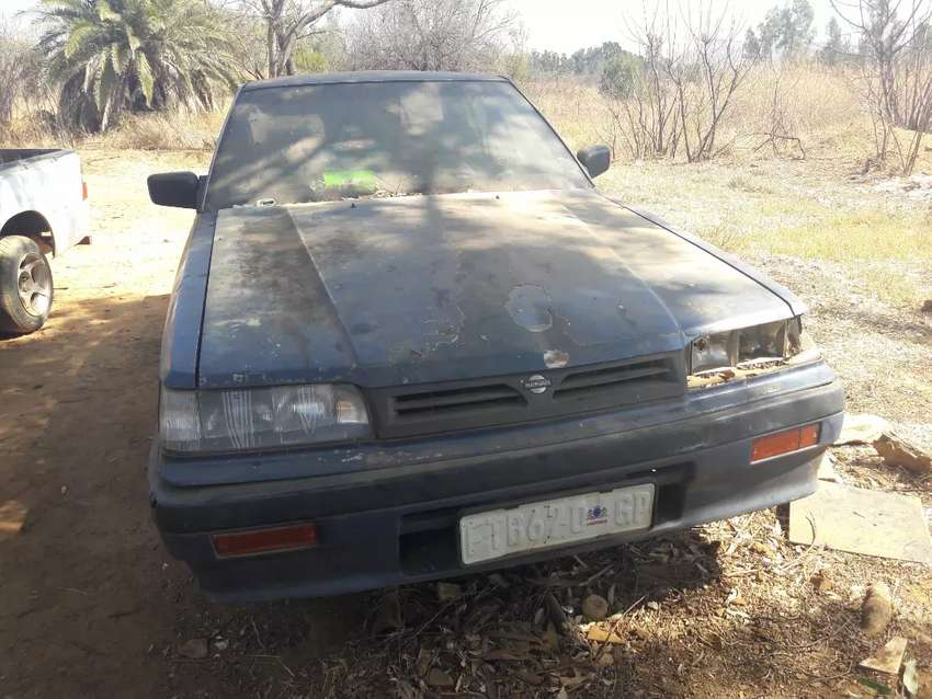 Old Nissan car very cheap 0