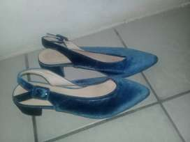 Shoes size 6 and 7 both can fit 7