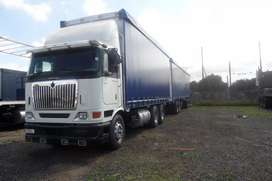 2011 international 9800i horse truck rigid with tautliner trailers