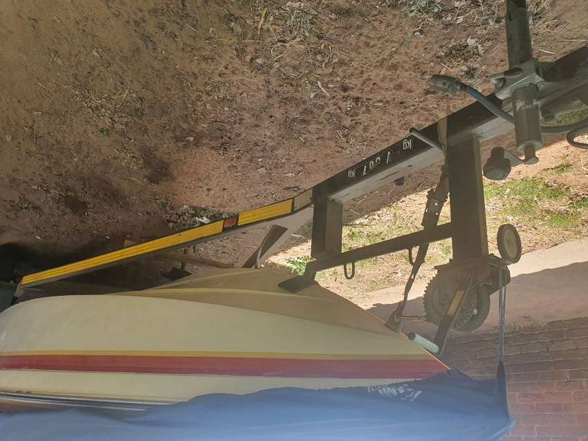 Good running boat for sale with extras 0