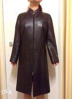 Срочно черный кожаный плащ(пальто)! размер М