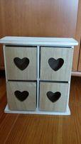 Pudełko drewniane z szufladkami sercami Regalik z sercami serca
