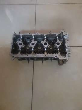 1 TR Toyota Hilux Cylinder Head and oil pump