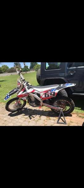 Honda CRF 450 R fuel injection excellent condition