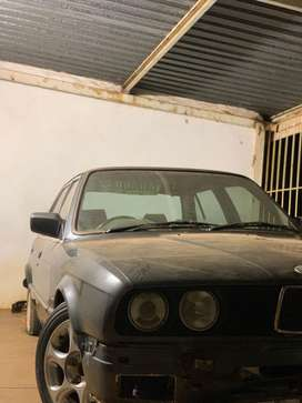 BMW 325i for sale.