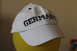 Biała bawełniana czapka z daszkiem coolclub rozmiar 54