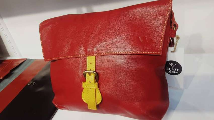 Leather handbag vintage