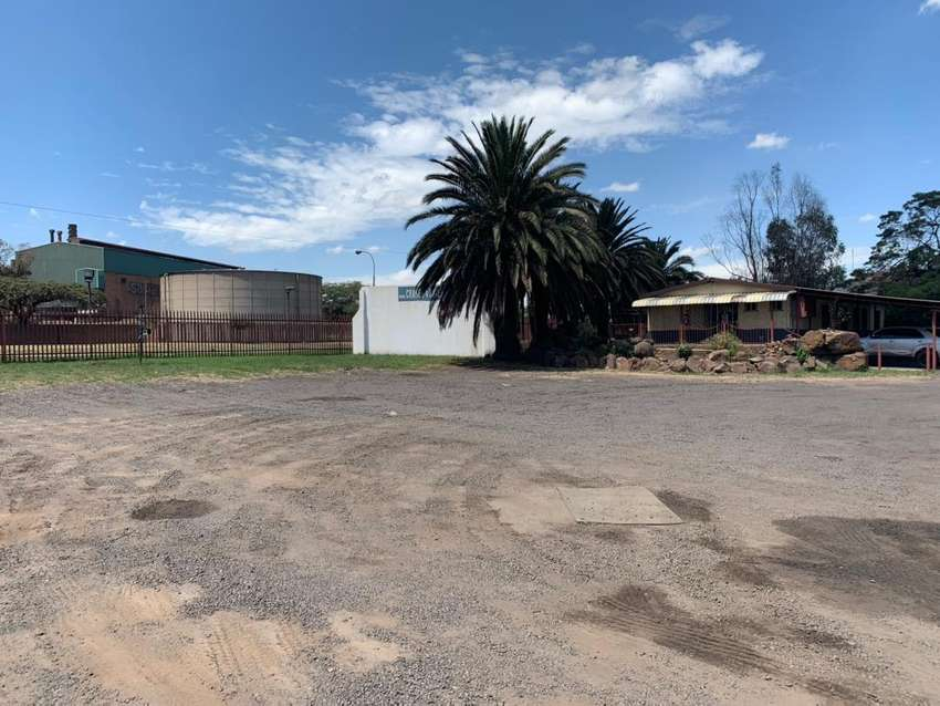Truck parking space with office to rent 0