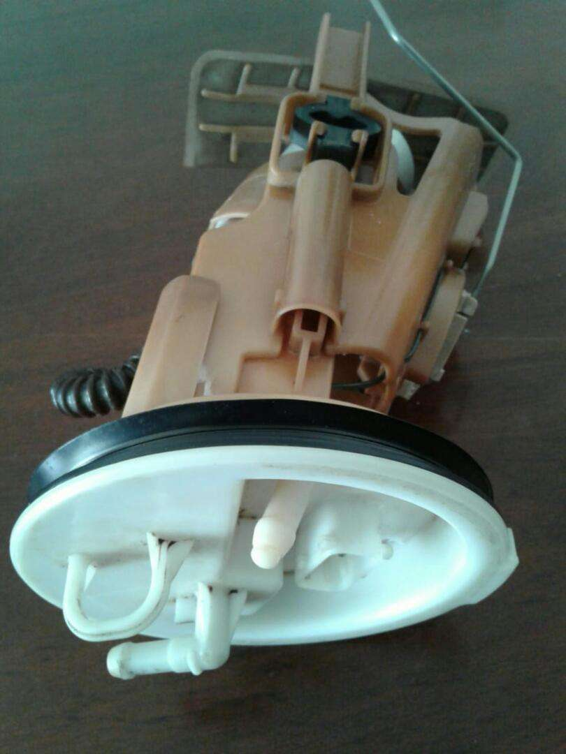 Bmw e46 petrol pump compleat with housing 0