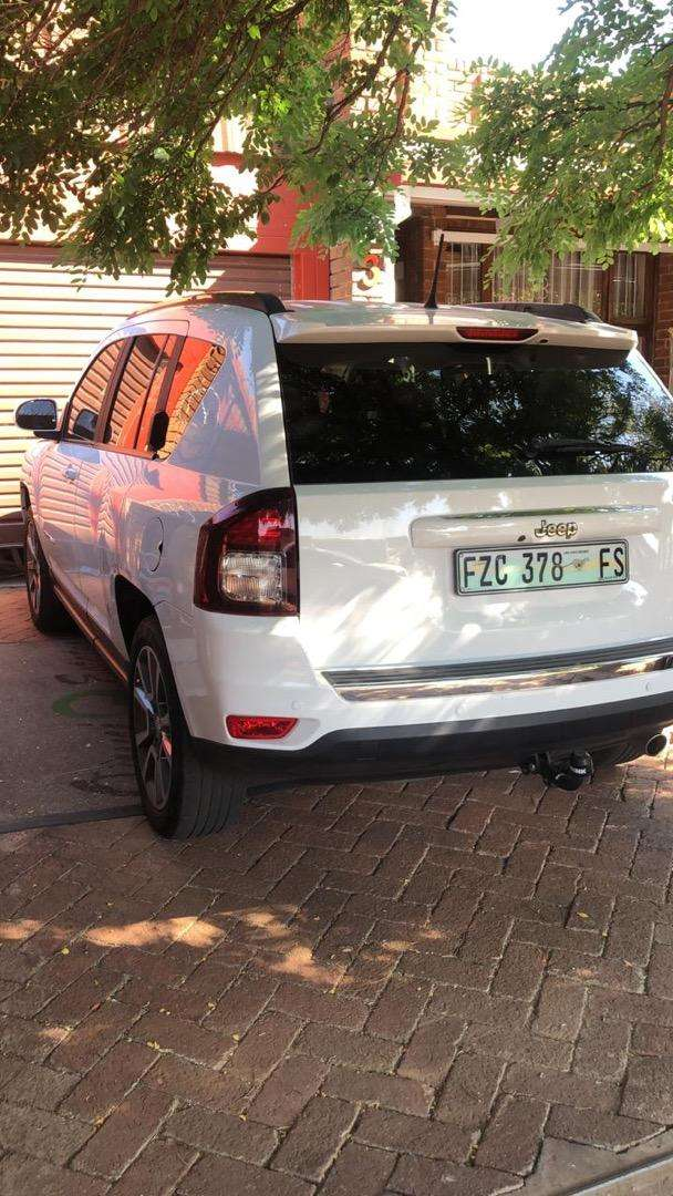 2014 Jeep Compass 2.0 Limited White 0