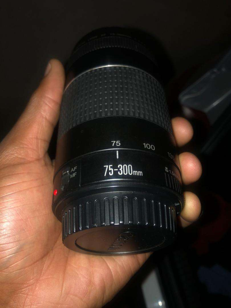 Canon 75-300mm lens 0