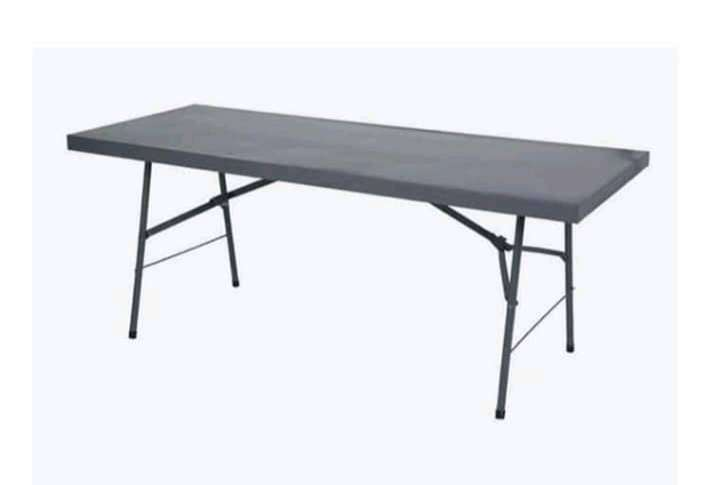 Black plastic party chairs and steel table 0