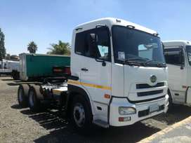 NISSAN UD390 TRUCK TRACTOR