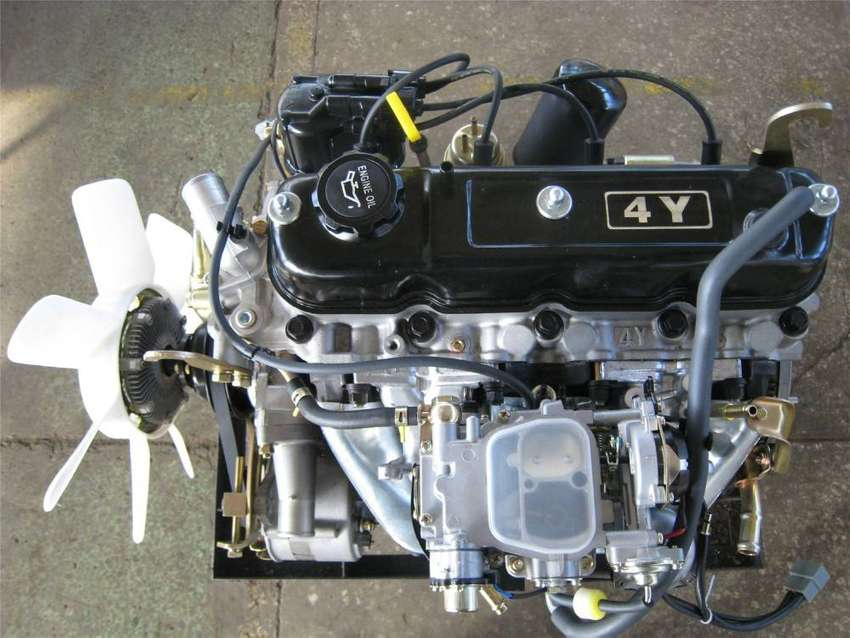 BRAND NEW TOYOTA HIACE / HILUX / CONDOR 2200 COMPLETE ENGINES - 4Y 0