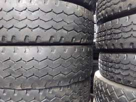 12R,315,385 GOOD SECOND HAND TRUCK TYRES