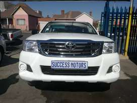 2012 Toyota Hilux 2.5 with canopy