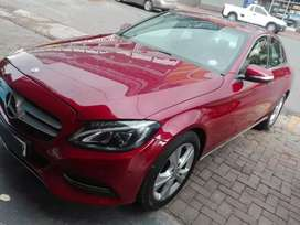MERCEDES-BENZ C200 AVAILABLE IN EXCELLENT CONDITION