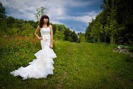 Продам свадебное платье со шлейфом. + чехол. Айвори. Не венчано