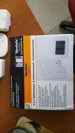 Цифровой термометр и термометр морозильной камеры .