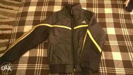 Продам женскую спортивную куртку