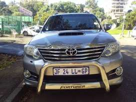 2015 TOYOTA FORTUNER 3.0 D4D 4X2