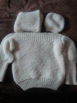 komplet: Sweter, czapka i komin z wełny akrylowej