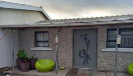 Ravensmead- semi detached 2 bedroom