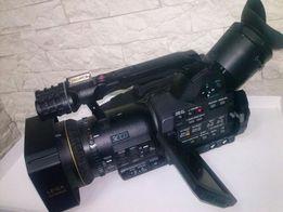 Нова відеокамера Panasonic AG DVX 100 BE