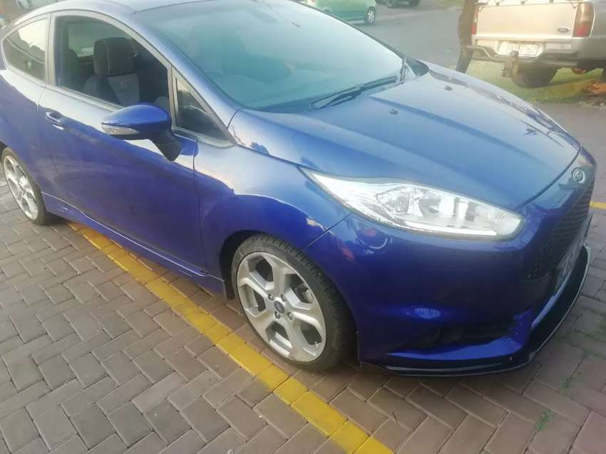 Ford Fiesta Front Lips 0
