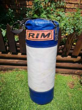 Heavy pro punch bag for sale