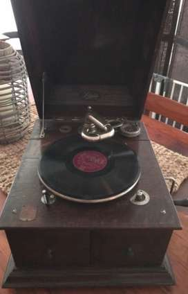 Wind up Selecta antique record player