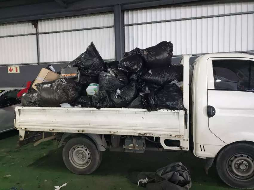 WASTE RUBBISH AND FURNITURE REMOVALS 0