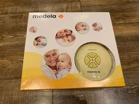 Medela Swing Maxi Breastpump with accessories