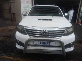 TOYOTA FORTUNER 3.0 D4D 4x4  2013 model