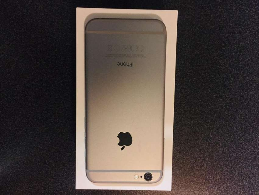 New iPhone 6 32gigs 0