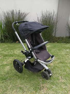 Quinny buzz and carrycot Combo