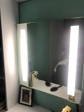 Wall mounted light mirror