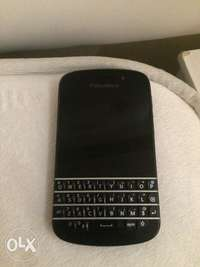 Image of Blackberry Q10 used one for sale ... but is in a good condition