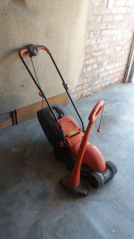 Flymo lawnmower with weedeater